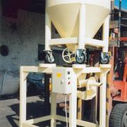 Térfogatra adagoló csigás töltőgép